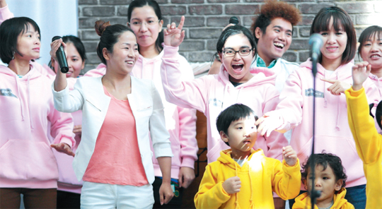 다양한 국적을 가진 이주여성들이 모인 성북문화재단의 '돌곶이노래단'. 언어도 문화도 다른 이들에게 노래는 서로이를어 주는 좋은 끈이다.
