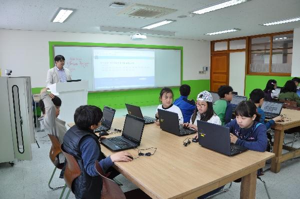 전교생 소프트웨어 교육 펼치는 시골학교의 반란