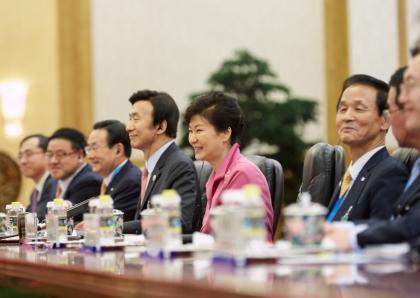 박근혜 대통령과 시진핑 중국 국가주석이 2일 오후 중국 베이징 인민대회당에서 한-중 정상회담을 하고 있다.