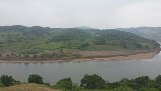 개안마루에서 내려다본 임진강