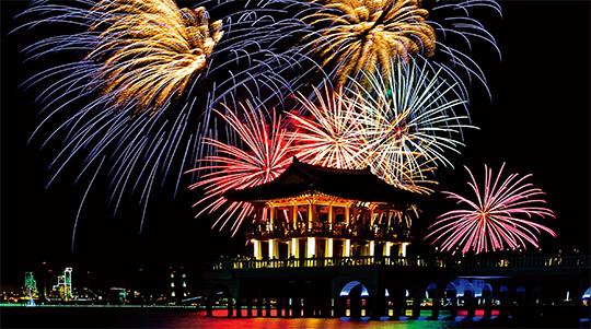 포항국제불빛축제에는 우리나라와 이탈리아, 대만 팀이 참여해 국제불꽃쇼를 연다.(사진=포항 국제불빛축제 사무국)
