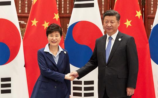 한·중 정상, 북핵 관련 우려 공유…전략적 소통 지속키...