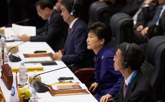"""박 대통령 """"한·일·중 3국 협력체제 지속 발전 중요"""""""