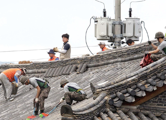 '지진에 놀란 민심' 어루만진 국민의 軍