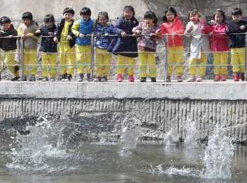 아이들에게 깨끗한 물을! 이미지