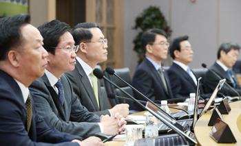 내년 예산, 4차 산업혁명·양극화 본격 대응