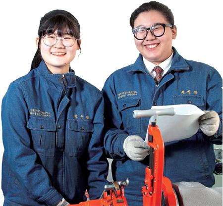 (왼쪽부터)박수연 양, 권민재 양.