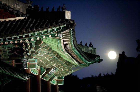 창덕궁 인정전 밤 풍경. (사진 = 문화재청)