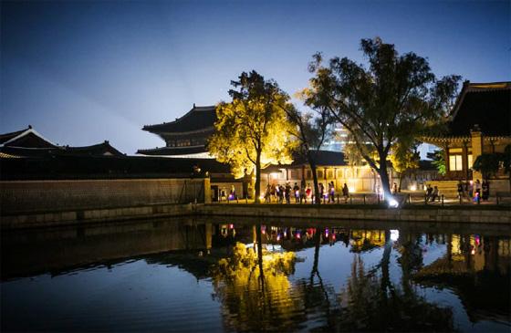 6월 14∼29일 진행되는 '경복궁 별빛야행' 예매는 7일부터 시작된다. (사진 = 문화재청)