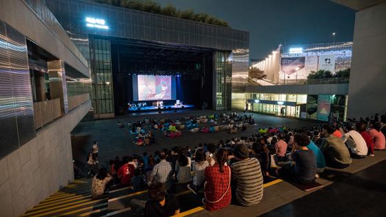 국립아시아문화전당은 7일부터 매주 수요일 오후 8시 'ACC 달빛 투어'를 실시한다. (사진 = 국립아시아문화전당)
