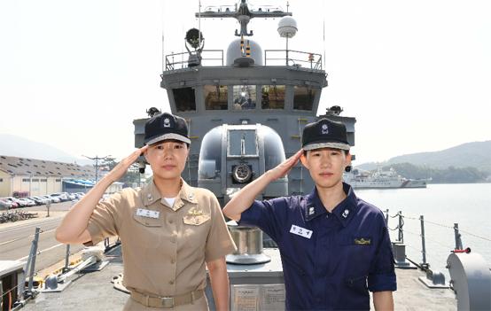 해군 최초 여군 함장·고속정 편대장 탄생