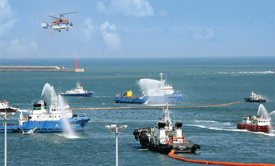 해양오염 대응 합동 훈련.