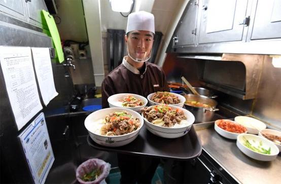 이천함조리장 조준민 하사가 신메뉴 조리법으로 만든 음식들.