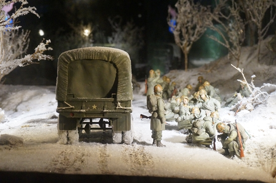 중공군의 개입으로 인하여 국군과 유엔군은 다시 철수를 시작한다.