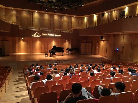 '떠오르는 연주자 시리즈'는 이미 국제무대에서 활동하며 차세대 거장 연주자로 주목받고 있는 어린 유망주들이 펼치는 무대이다.