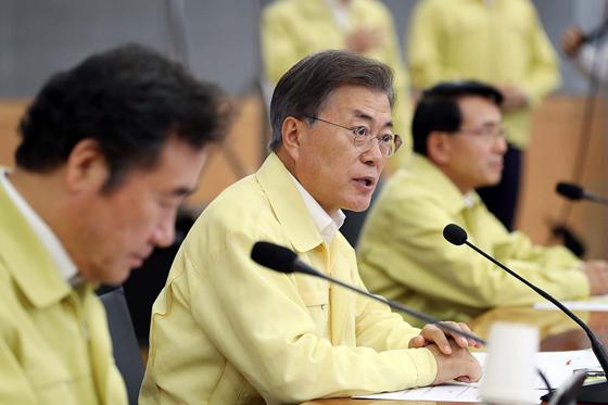 문재인 대통령이 23일 오후 서울 도렴동 외교부 청사에서 열린 '2017 외교부·통일부 핵심정책 토의'에서 발언하고 있다. (사진=청와대)