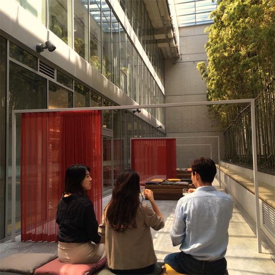 국립아시아문화전당은 10월 28일까지 매주 수·토요일 오후 5시 30분에 가을 투어 프로그램인'ACC 낭만 투어'를 실시한다. (사진 = 국립아시아문화전당)