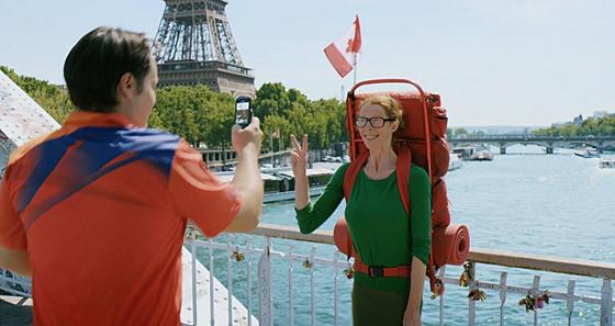 영화 '로스트 인 파리'의 한 장면.
