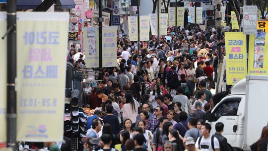 국내 최대 할인축제 코리아 세일 페스타가 올해 추석연휴가 맞물려 열린다.(사진=저작권자(c) 연합뉴스, 무단 전재-재배포 금지)