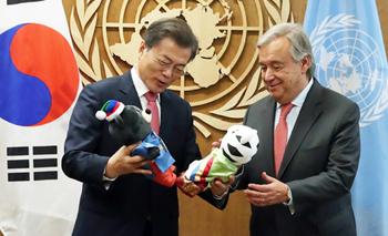 문 대통령, 구테헤스 유엔 사무총장에 '북핵' 대화 중재 요청