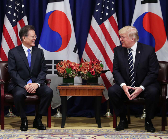 """한·미 정상 """"美, 한국에 최첨단 군사자산 획득·개발 지원"""""""