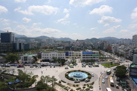 광주광역시 동구에 위치한 국립아시아문화전당 전경.