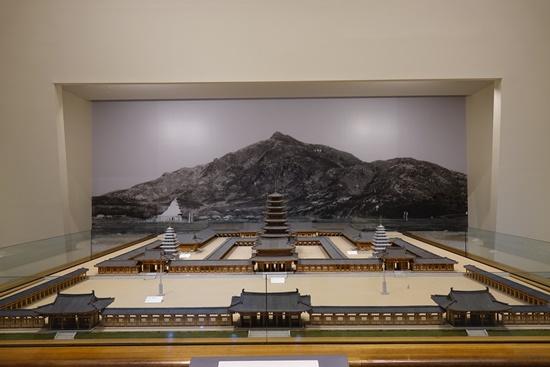 미륵사의 가람배치 양식과 건축규조, 규모 등을 알 수 있는 모형