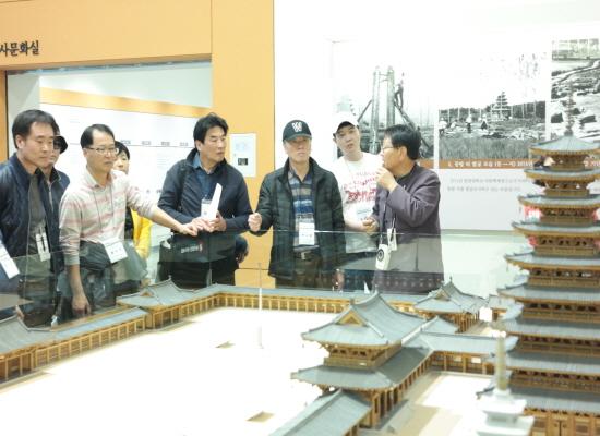 체험 참가자들은 익산 미륵사지 관람 등 인문학 여행도 가졌다.