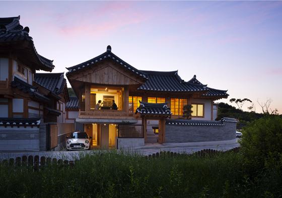 외부에서 바라본 정자를 형태를 가진 '낙락헌' 모습. 낙락헌은 2017 한국건축문화대상 준공건축물 부문에서 '우수상'을 받았다.(제공=박영채 작가)