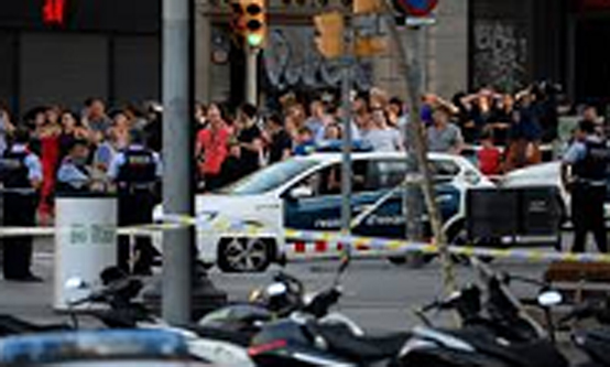 올해 8월 18일 스페인 유명 관광지인 카탈류냐 광장 인근 람블라스 거리에서 모로코 2민 2세 트럭테러범 아부야쿱(22세) 등 11명이 저지른 차량 테러로 16명이 사망하고 126여명이 부상을 당했다.(제공=국무조정실)