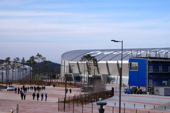 강릉스피드스케이트 경기장 전경