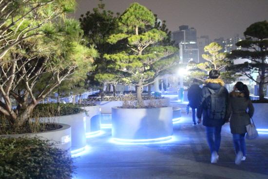 서울로 7017에서 전시되고 있는 평창 공공미술.