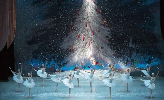 '잠자는 숲속의 미녀' '백조의 호수'와 함께 고전 발레를 대표하는 명작인 '호두까기인형' (사진 = 국립발레단)
