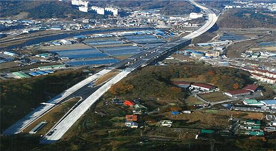 성남~장호원 간 자동차전용도로 전경 사진