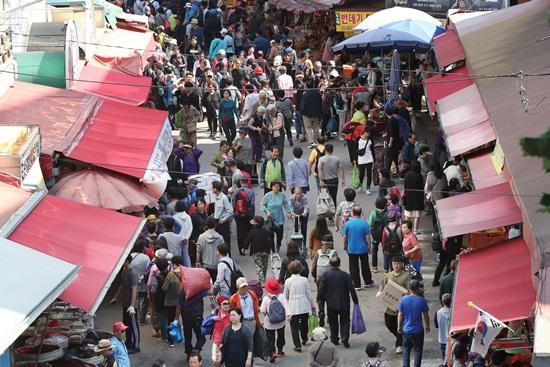 전통시장 이용 시 소득공제율이 40%로 늘어난다.(출처=뉴스1)