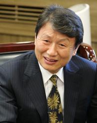 권영민 단국대학교 석좌교수