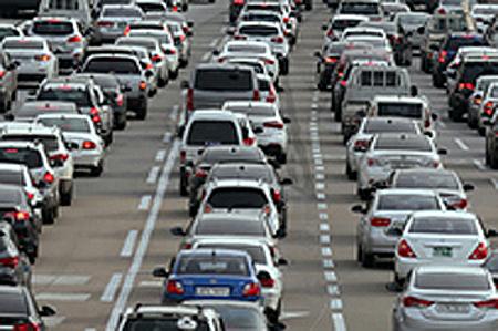 자동차 등록대수 2253만대…2.3명당 1대