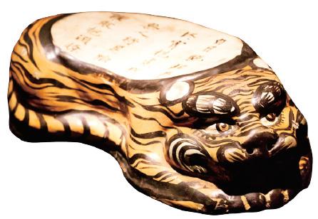 중국국가박물관이 전시한 호랑이 모양 베개.(사진=C영상미디어)