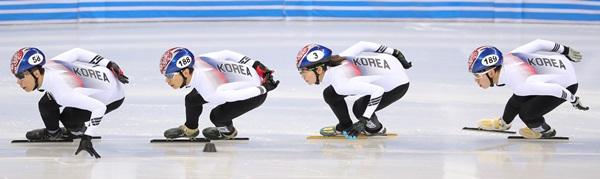 평창동계올림픽을 앞두고 쇼트트랙 훈련을 하고 있는 한국 국가대표 선수들.(출처=뉴스1)