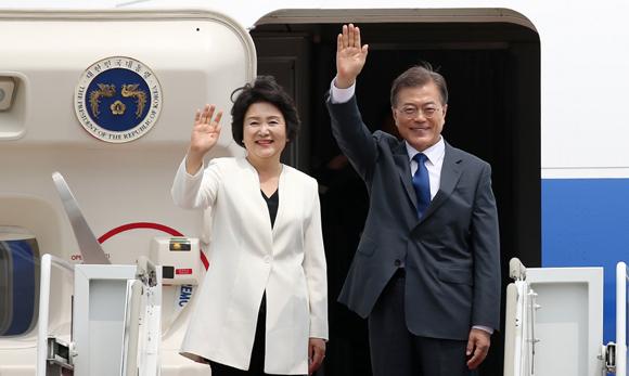 문 대통령, 22∼27일 베트남·UAE 방문…올해 첫 해외순방