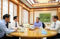 특사외교, 평화정착과 비핵화 논의 이끌다