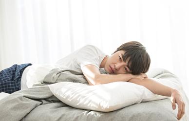 쉽게 잠들지 못하는 이유 6가지