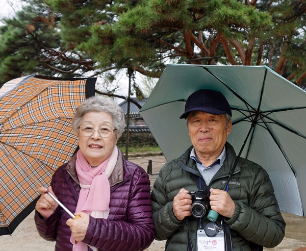 박유서, 이명숙 부부. 눈 앞에서 몽룡과 춘향을 만났다.