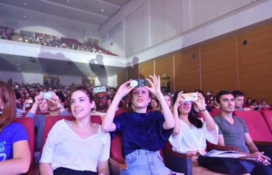 2017 헬로 미스터 케이 공연에 참석한 주한외국인 유학생들. (사진 = 해외문화홍보원)