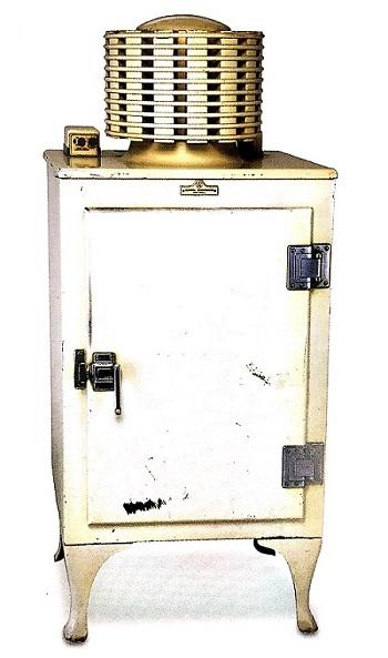 1934년 GE사가 제조한 전기압축 가전냉장고
