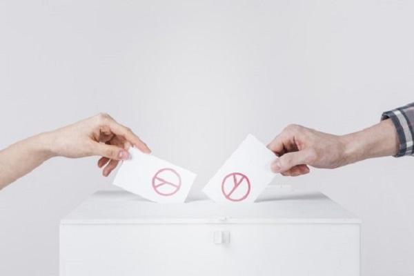 ▲기표소 안의 투표용지나 기표한 투표용지를 찍는 것은 금지되어 있습니다. 출처=중앙선거관리위원회 블로그
