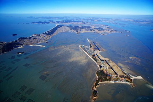 화도는 갯벌 갯벌에 둘러싸인 섬이다. 바다 위에 뜬 섬이 아니라 갯벌 위에 뜬 보석이다.