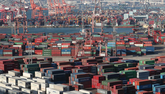 수출 증가 유지 총력…6월 한달간 무역보험 특별지원