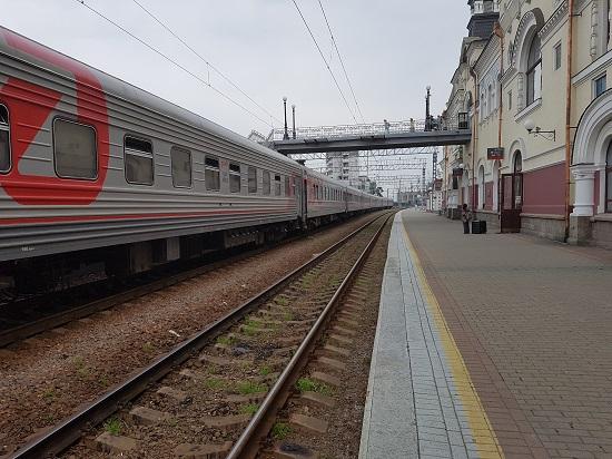 블라디보스톡 중앙역에 정차한 기차