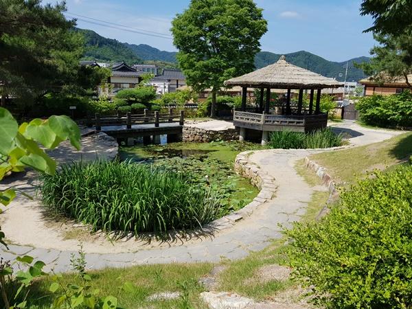 김유정생가의 연못